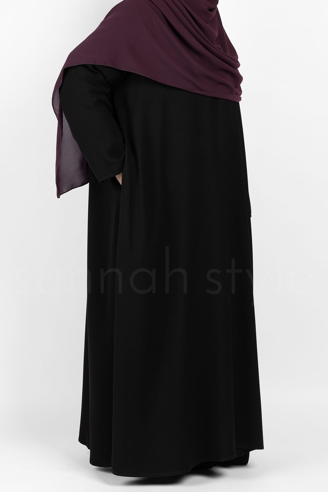 Essentials Closed Abaya Plus Black