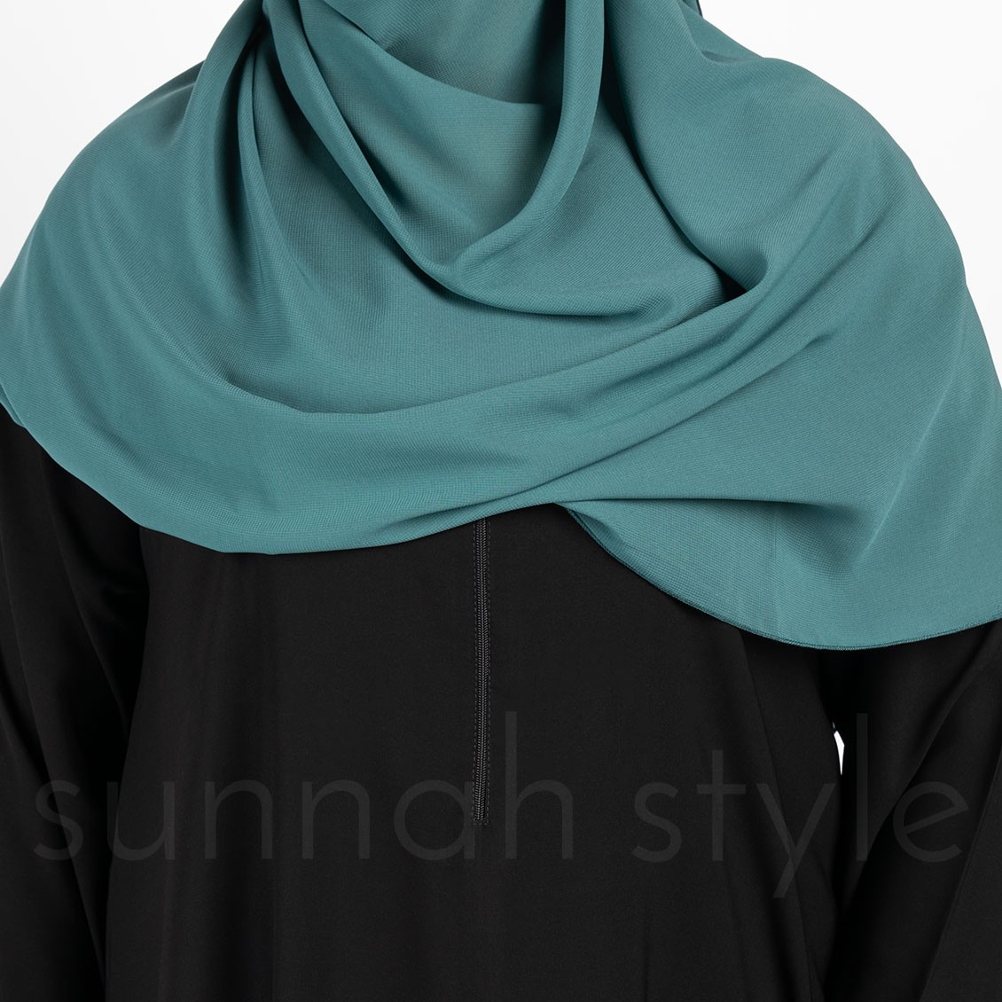 Sunnah Style Plain Closed Abaya Slim Black