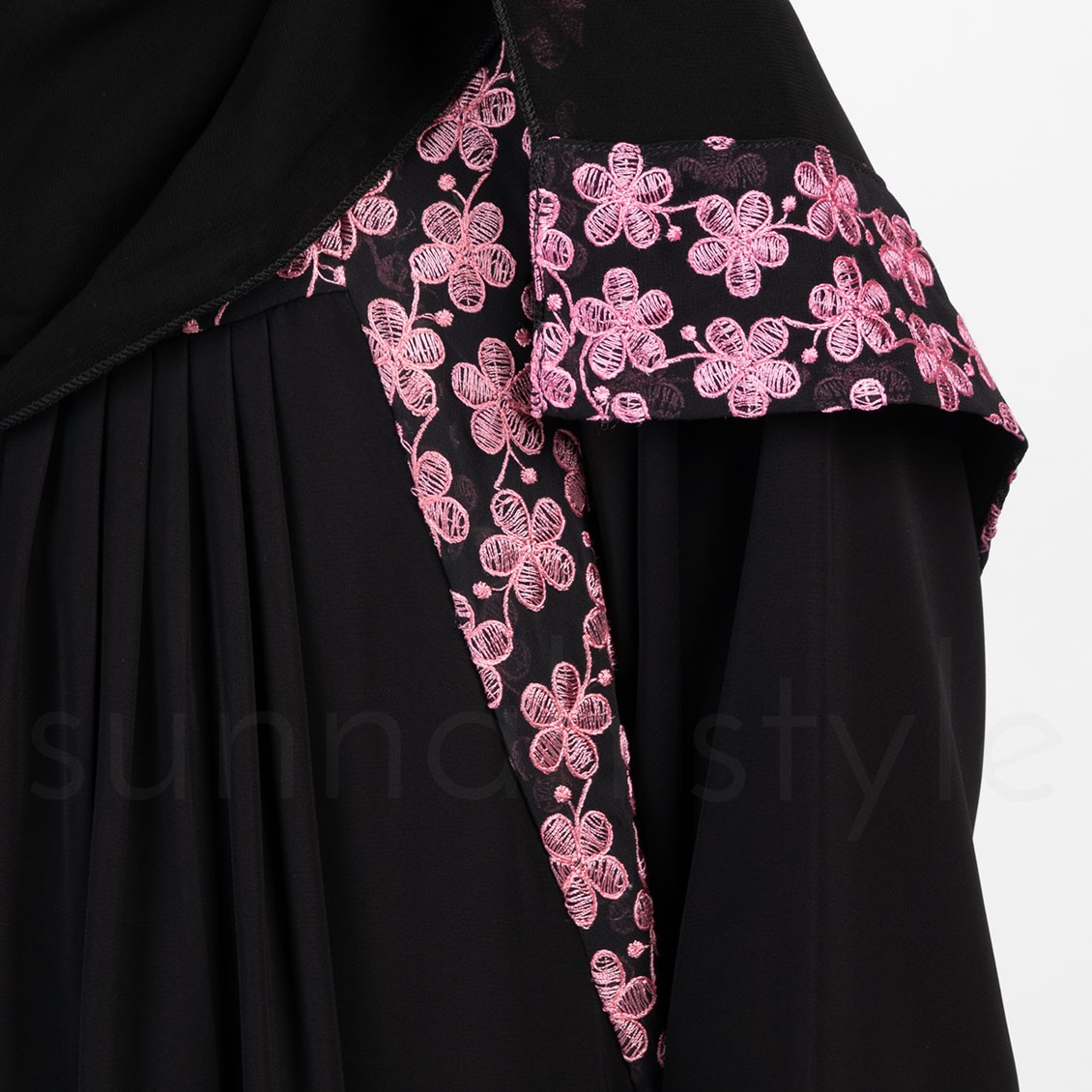 Sunnah Style Girls Daisy Embroidered Shayla Hijab
